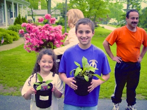Max & Madison Gardening Tradition