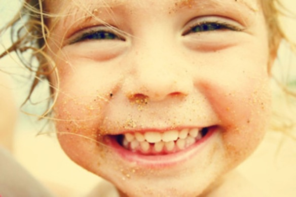 smiling cute kid_thumb[3]